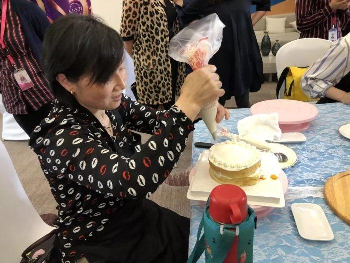 山水装饰集团共度母亲节