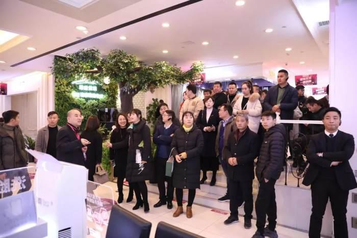 材料商参观澳门新萄京2566com平台 材料展厅