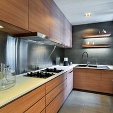 家里L型厨房怎么装修?L型<span style='color: #ff0000'>厨房装修设计</span>技巧