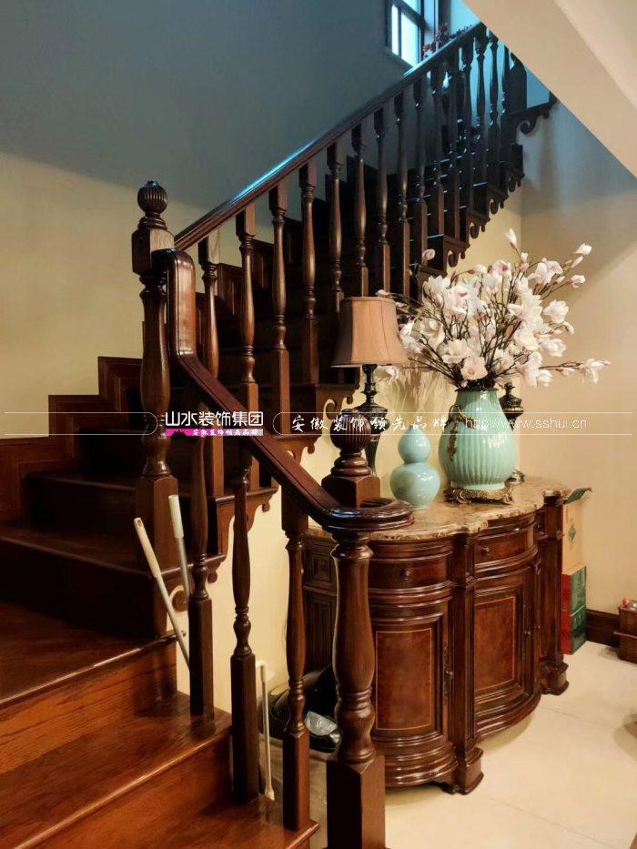 美式风格楼梯效果