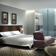 住宅主卧卫生间门对着床怎么装修?巧改户型布局提运势
