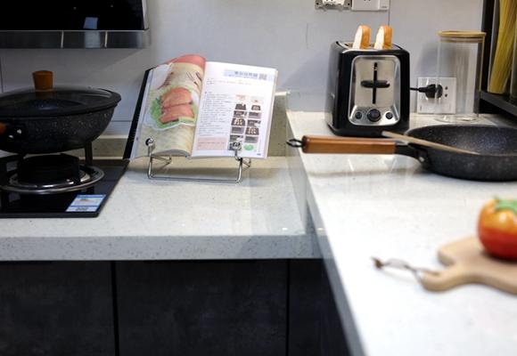 <span style='color: #ff0000'>厨房装修</span>设计技巧有哪些?做好这几点厨房好看又实用