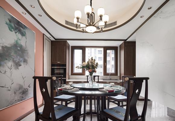 选择室内装饰<span style='color: #ff0000'>设计师</span>要参考哪些因素?一键获取