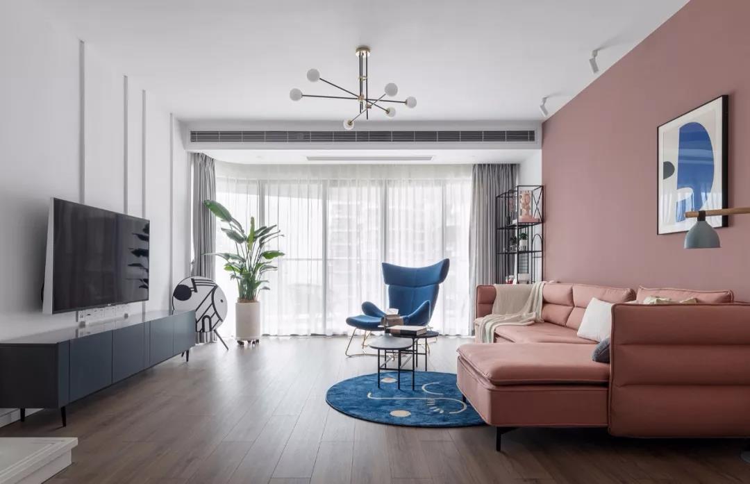 客厅<span style='color: #ff0000'>中央空调</span>装在哪个位置比较好?