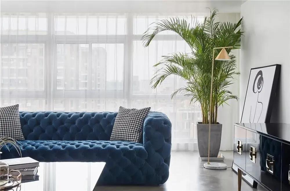 沙发不靠墙,这样做实用又美观!